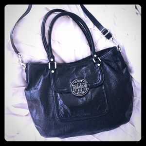 Tory Burch Crinkle Patent Leather Black Lg. Hobo